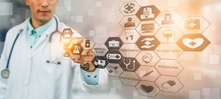 Photo pour Concept de soins de santé médical - médecin à l'hôpital avec des icônes médicales numériques bannière graphique montrant symbole des personnes de soins médicaux, réseau de services d'urgence, médecine, médecin des données de santé des patients. - image libre de droit