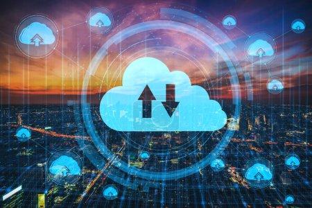 Foto de Tecnología de computación en voz alta y almacenamiento de datos en línea para el concepto de red de negocios. Computadora se conecta al servicio de servidor de Internet para la transferencia de datos en nube presentada en la interfaz gráfica 3D futurista.. - Imagen libre de derechos